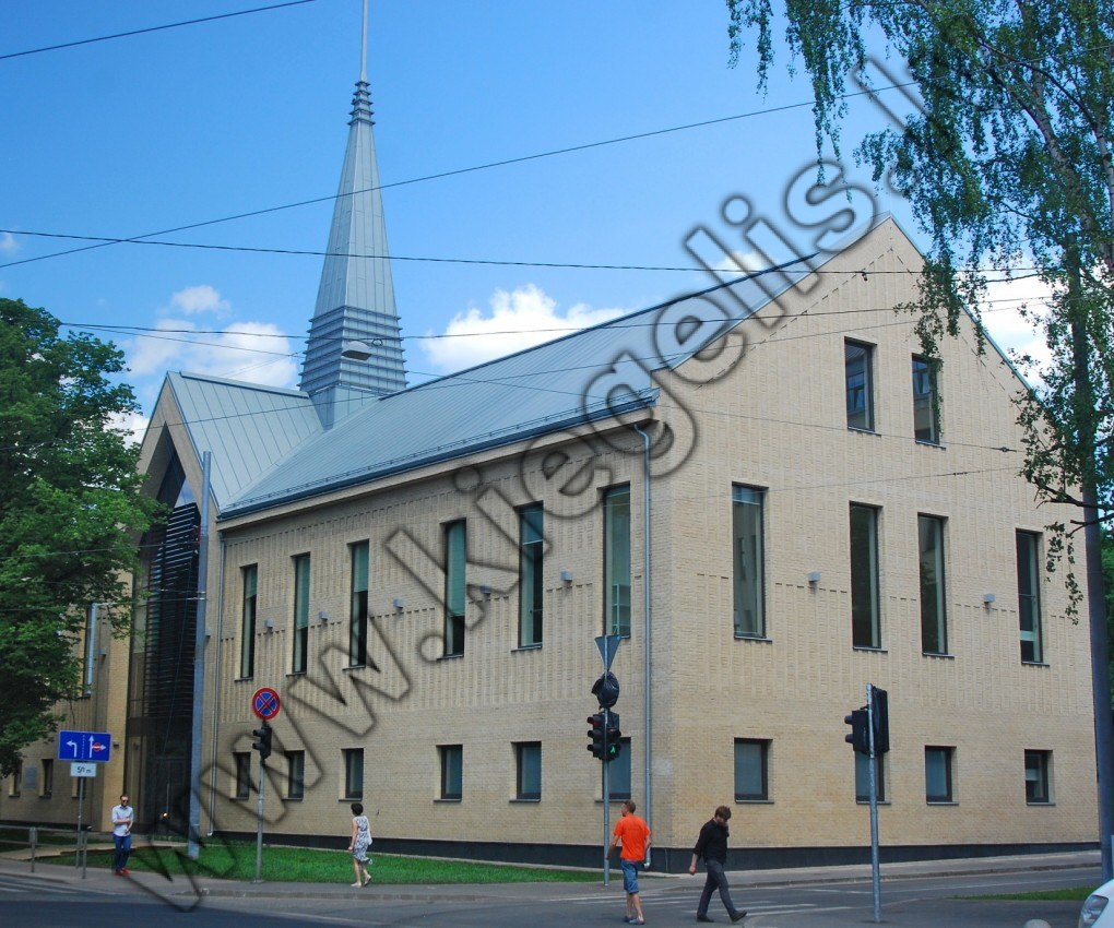 Saieta nams – baznīca un sporta zāle